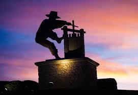 napa valley statue of man making wine